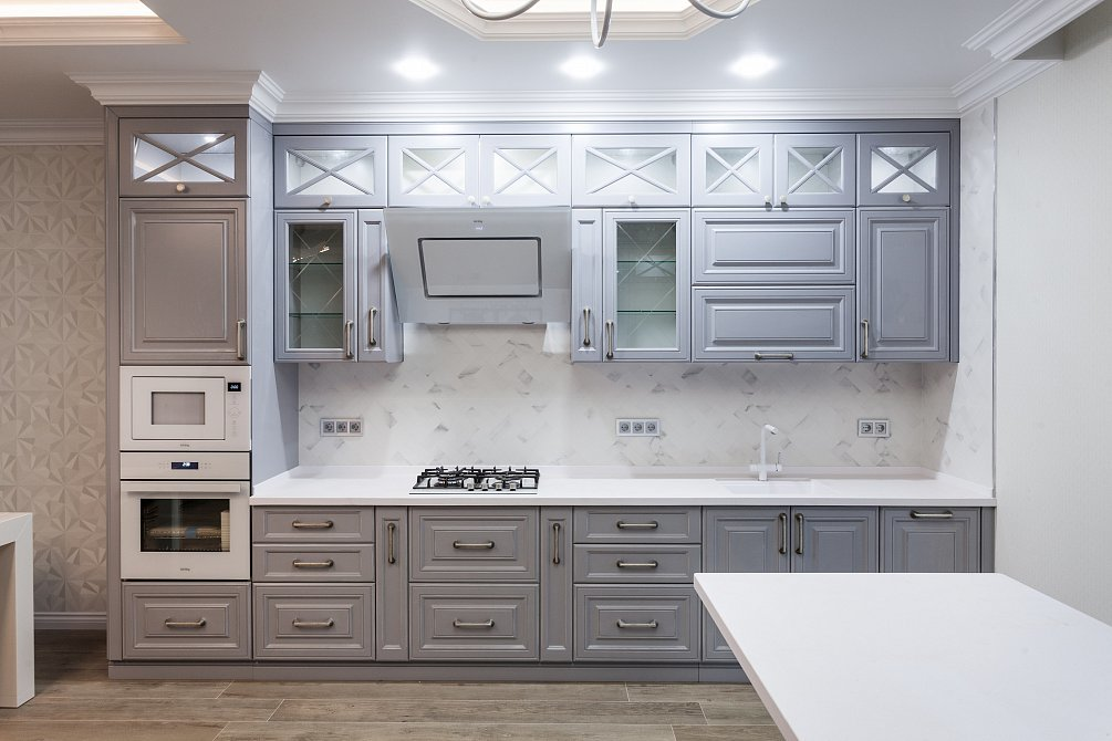 Кухни с серыми матовыми фасадами